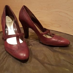 "Worthington wine color leather upper 3.5"" heels"